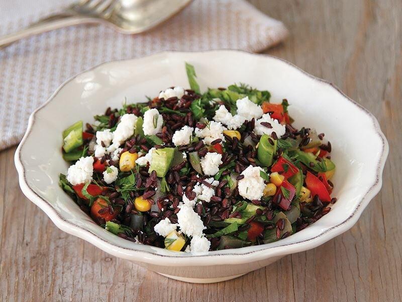 Lor Peynirli Salata tarifi