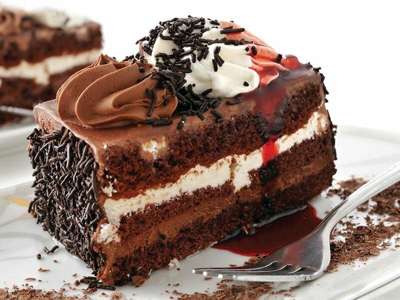 Kremalı Ve Çikolatalı Pasta tarifi